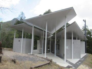三倉岳キャンプ場のトイレ