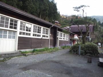 校舎を利用した宿泊棟