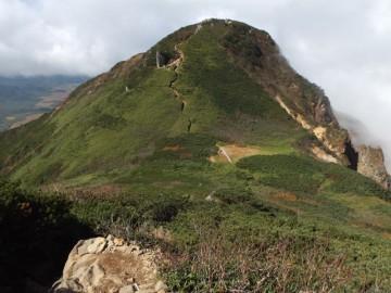 俎嵓から柴安嵓に向かう登山道