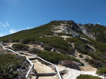駒峰ヒュッテの所からの空木岳山頂