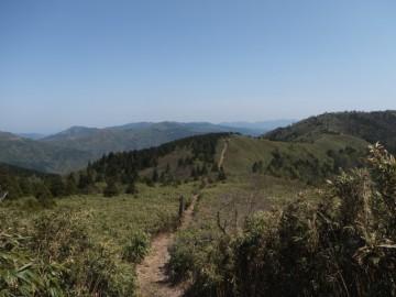 乗幸山への縦走路