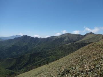 ちち山と笹ヶ峰の美しい姿