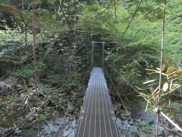 吊り橋を渡るとフォレスターハウスです