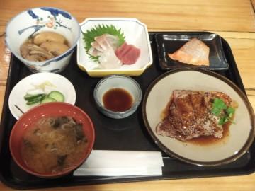 和田小屋の夕食