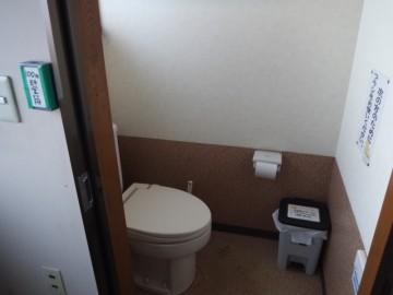 男女兼用洋式トイレ。