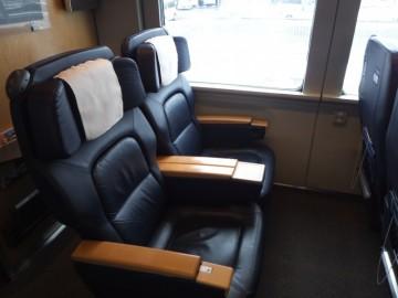スーパー白鳥のグリーン車の座席