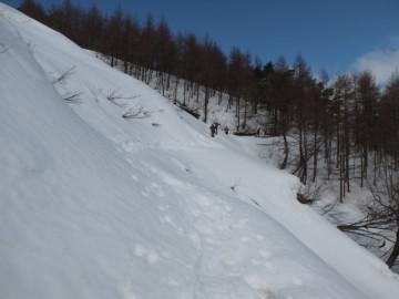 三平山登山道