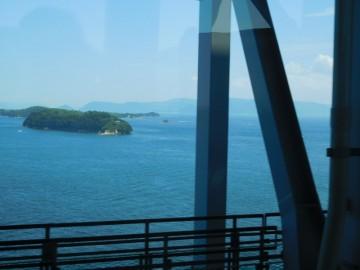 戸大橋からの瀬戸内海の景色。