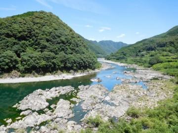 美しい四万十川の眺め