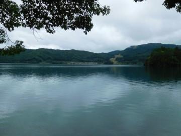 大向キャンプ場から見る青木湖