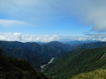 縦走路から見る西側方面の景色