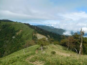 蛭ヶ岳へ向けての縦走路