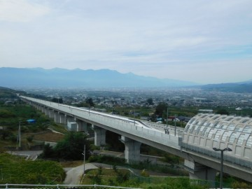 花鳥山展望台から見たリニア