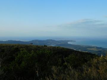 石垣島南西部を望む