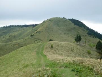 高山への登りと巻き道