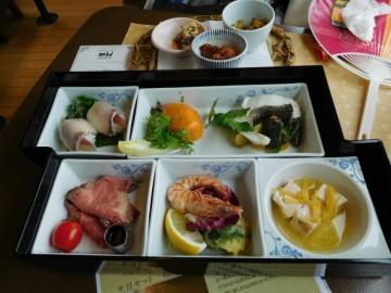 八幡浜編の食事