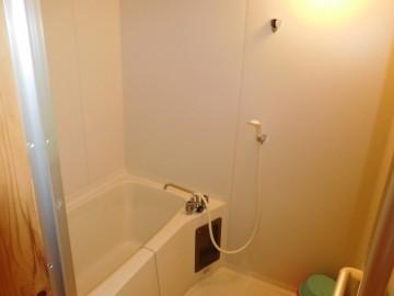 東之川の浴室