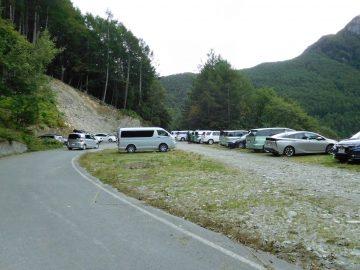 鳥倉登山口の駐車場