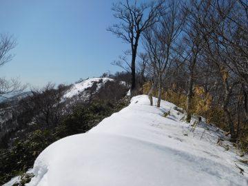 アゼチ手前の稜線