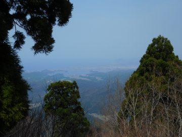 鷲峰山山頂の展望台からの景色