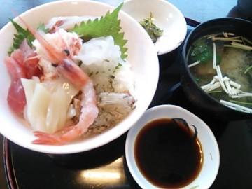 幻魚房のスペシャル海鮮丼