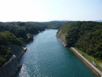万関橋から西