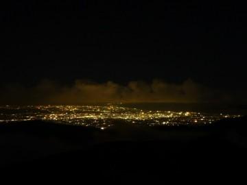 薬師岳山荘から見る富山の夜景。