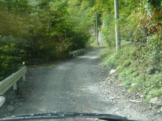 椹島への林道
