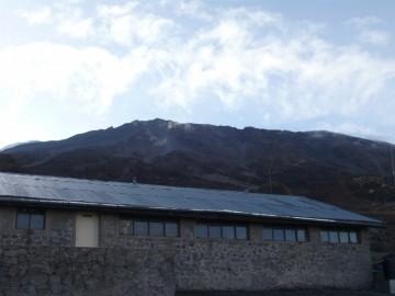 キボハットから見上げるキボ峰。