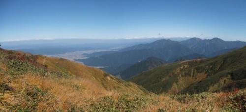 巻機山山頂から北側方面のパノラマ